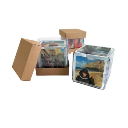 cubo-in-plexiglass